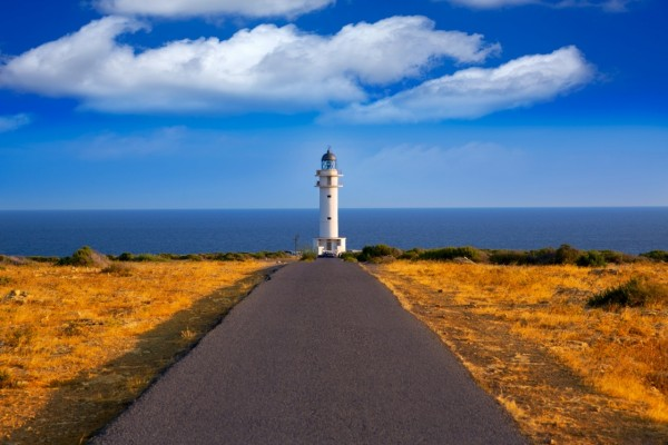 10-essentials-you-must-visit-before-leaving-formentera-island!-barbaria-cape-lighthouse-in-formentera-mediterranean-balearic-islands-of-spain-573-fdca