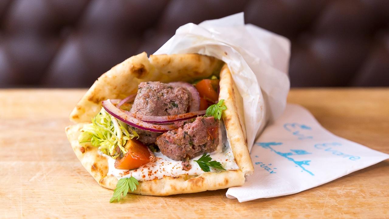 Santorin l le pr serv e des cyclades - Cuisine grecque traditionnelle ...