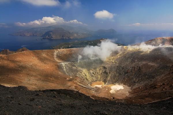 Il_cratere_a_Vulcano