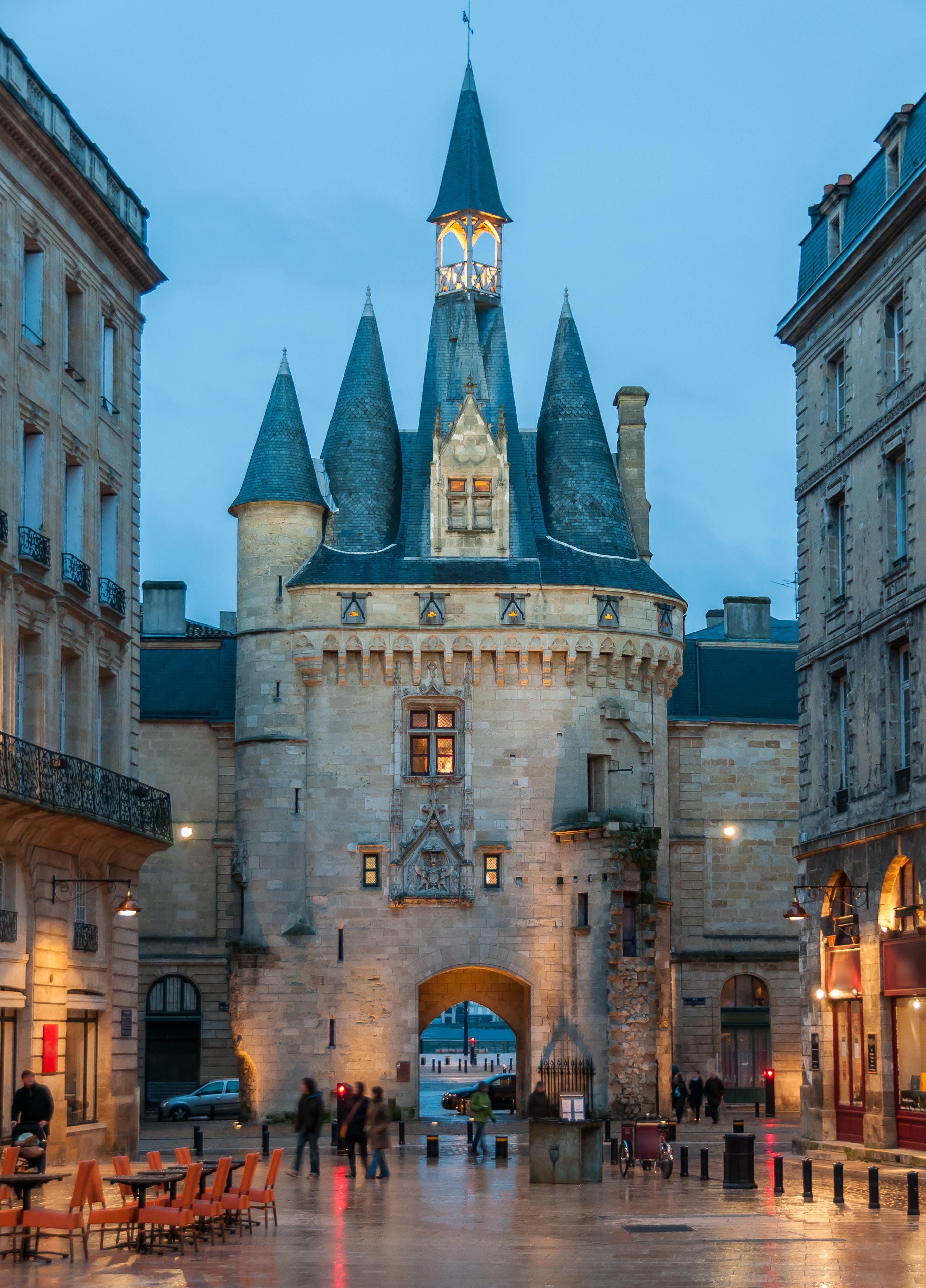 Bordeaux escapade culturelle et historique au coeur de for Porte cailhau
