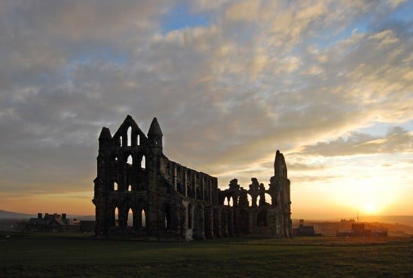 Whitby_Abbey_at_sunset