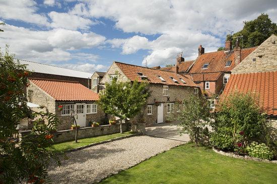 grindale-house-garden